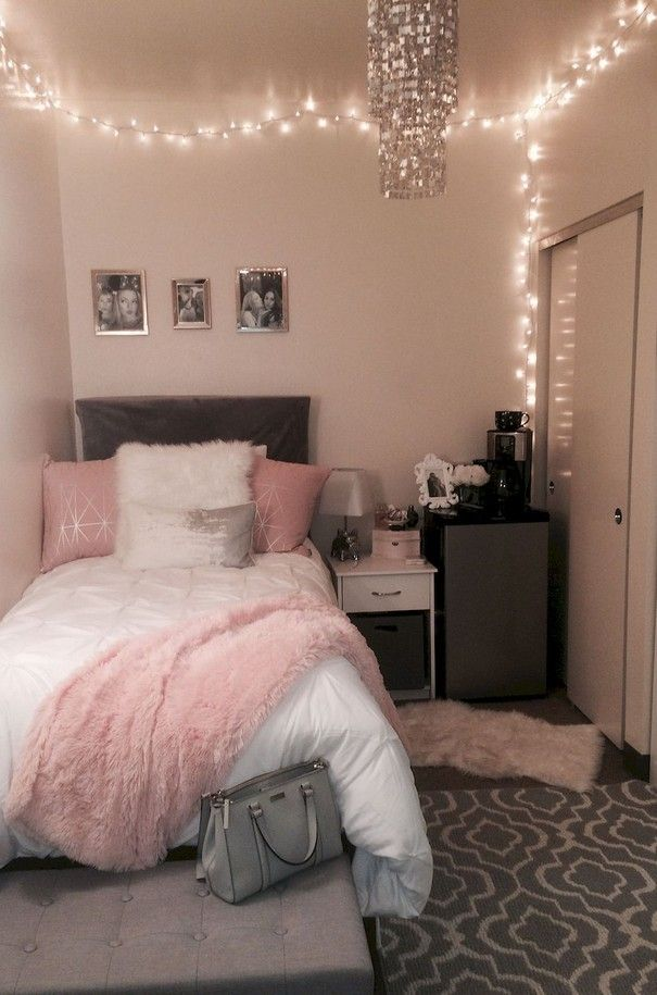 35 Simple Bedroom Decoration Ideas With Lights 9 Small Room