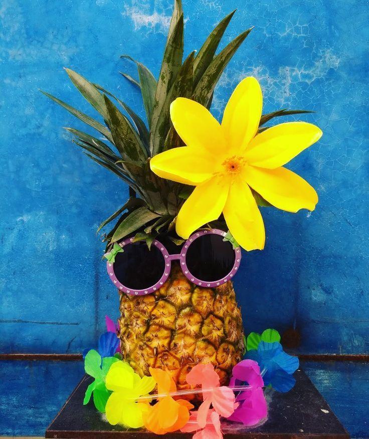 все проведенные поздравление в стиле гавайской вечеринки него