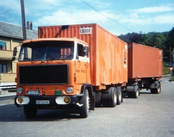 Volvo-UR-13006 F89 (6x2)