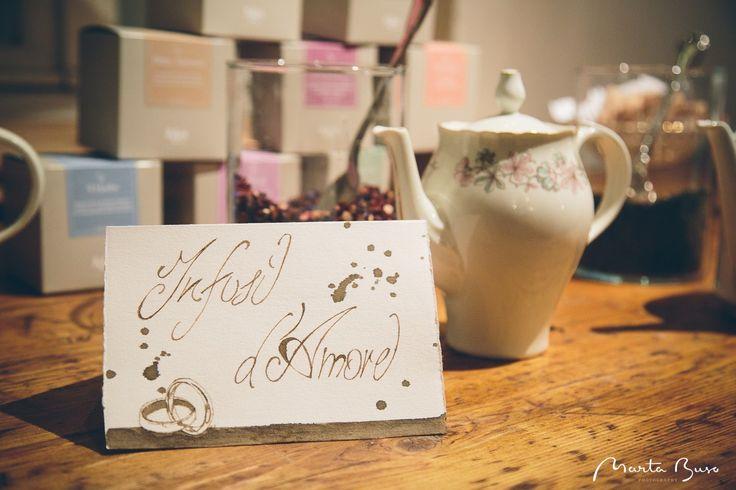 Il tè dell'accoglienza. Degustazione di tè, tisane, estratti di frutta, coccole e messaggi d'amore.