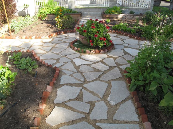38 Homes That Turned Their Front Lawns Into Beautiful: Decomposed Granite Pathway Gardens