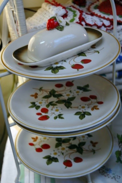 """""""strawberries and cream"""" vintage stoneware Oh, so nice to see these...I used to have a collection of these Nelson McCoy dishes!"""