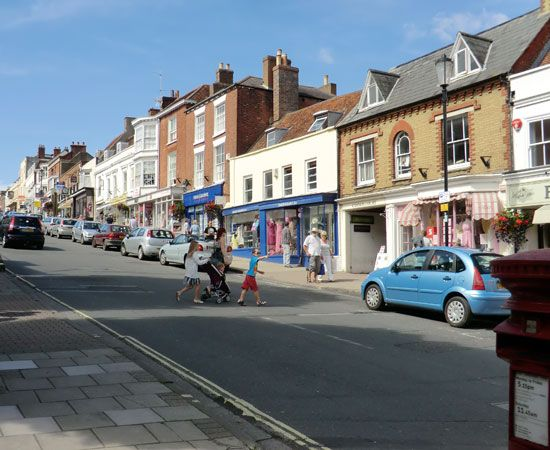 LymingtonLymington Hampshire, Favorite Places, Beautiful Places, High Street, Belle Enfant, Circular Walks
