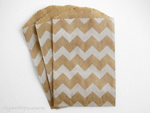 20  Bitty Bags  2.75 x 4 Kraft with White Chevron door wrapworks, $5.00