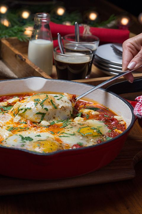 INGREDIENTS BY SAPUTO | Having friends over for brunch this weekend? Need recipe ideas? Try these poached eggs in tomato sauce. Topped with Armstrong Extra-Old Cheddar cheese and parsley, they're sure to go down great with your guests!