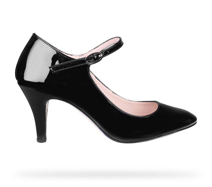 Repetto propose une collection de chaussures constamment renouvelée par ses  modèles et ses couleurs. Découvrez la collection d85bc49b0cbc
