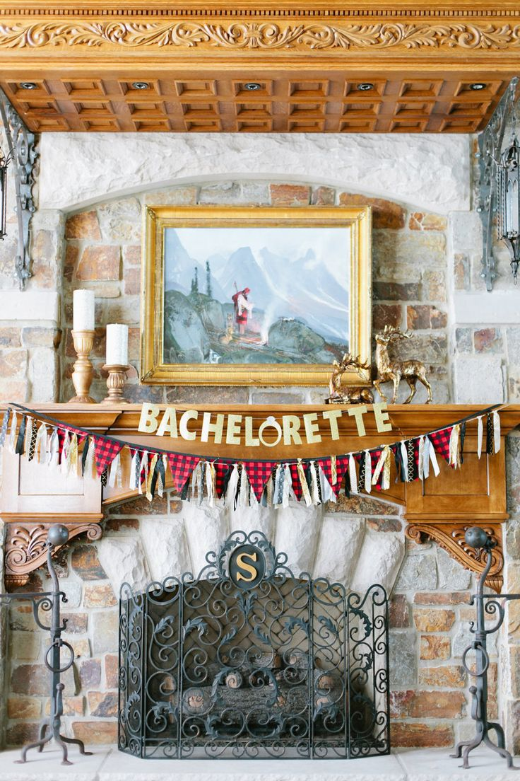Photography: Sorella Muse - sorella-muse.com   Read More on SMP: http://www.stylemepretty.com/2016/03/11/cozy-flannel-themed-bachelorette-weekend-in-the-mountains/