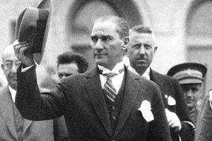 Milli Eğitim Bakanı İsmet Yılmaz, 13 Ocak'ta yeni müfredat taslağını açıklamış, taslağa bir ay boyunca öğretmen, veli, sivil toplum kuruluşlarının eleştiri ve önerileri için askıda kaldıktan sonra son halinin verileceğini söylemişti. Görüş ve öneriye sunulan 52 derse ilişkin askı süreci... #Atatürk'E, #Daha, #Fazla, #İçin, #MEB'E, #Müfredat, #Öneri, #Talep, #Verilmesi, #Yeni https://havari.co/mebe-yeni-mufredat-icin-184-bin-oneri