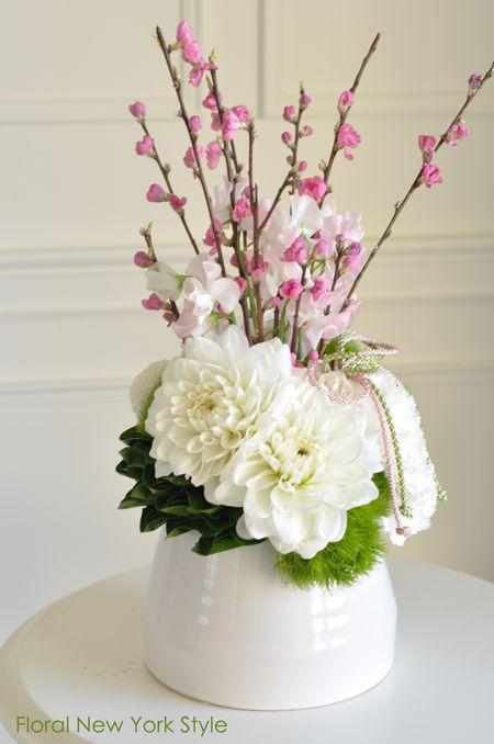 桃の花アレンジ♡フレッシュフラワー|フローラルニューヨーク・大塚智香子のスタイルのある暮らし|25ansオンライン