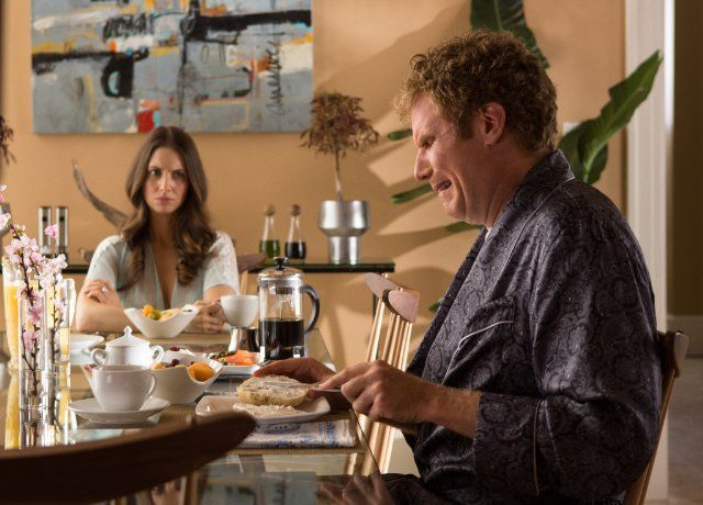 Still of Will Ferrell and Alison Brie in Get Hard (2015)