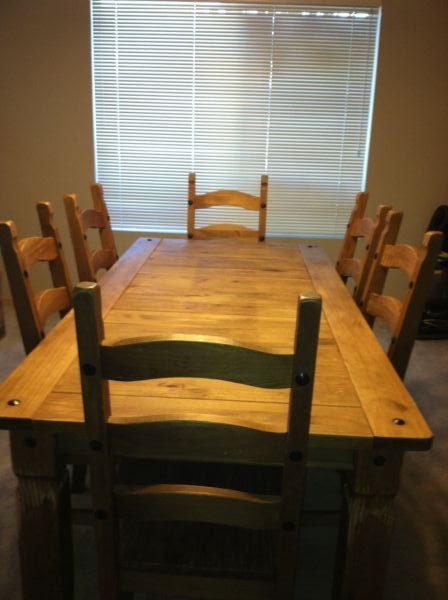 Rustic Farm House Pine Dinning Room Table And 6 Chairs By Pier One Imports.