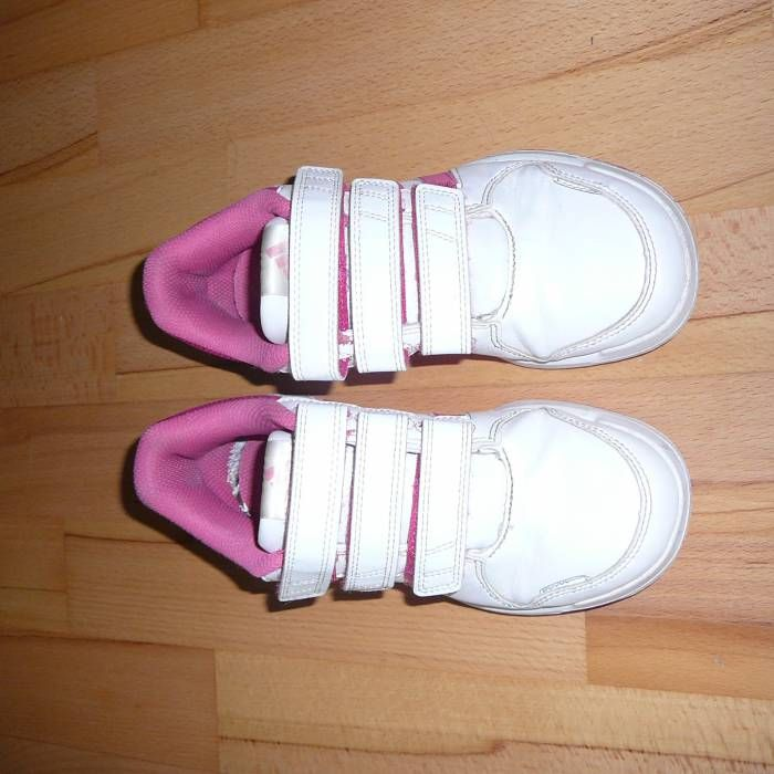 Dívčí boty Adidas vel. 32 z bazaru za 250 Kč | Dětský bazar.cz
