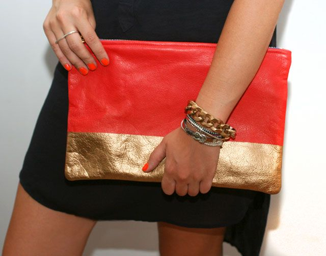 A little spray paint + a little imagination = adorable new metallic colorblocked clutch.