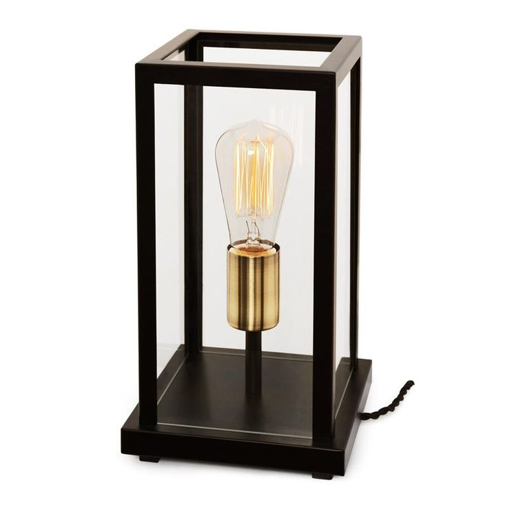 Nockeby. Vacker bordlampa från Cottex som du toppar med en vacker ljuskälla. www.lampan.se