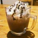 【マジックブレット】スタバ気分 ココアフラペチーノ|牛乳・ココア・氷・生クリーム