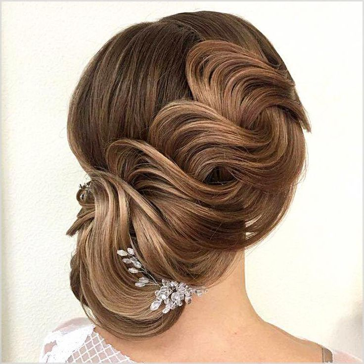 The short hair length permits you to wear elegant and romantic hairstyles on the wedding day. #beautifulhairstyles #everydayhairstyles #cutehairstyles...
