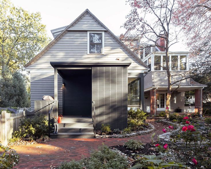 Professor's Row Renovation by aamodt / plumb arch (2)