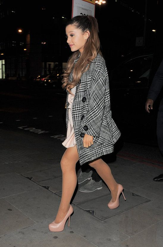 Ariana Grande wore this nice outfit when out on a date