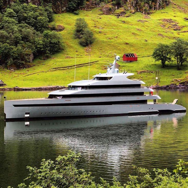 Winner of the 2016 World SuperYacht Awards 'Yacht of the Year' is SAVANN…