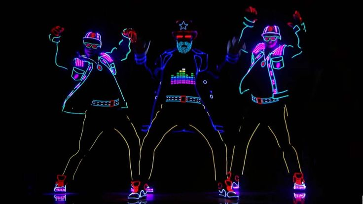 The amazing dancers delivered an epic LED performance in the dark that stunned the 'AGT' judges and host.