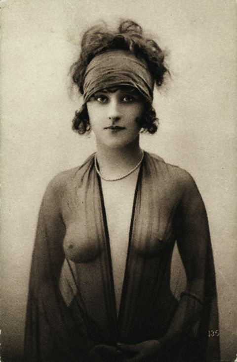vintage photograph 1920's boudoir... the hair I copied in my facebook picture for those of you who know me hehe