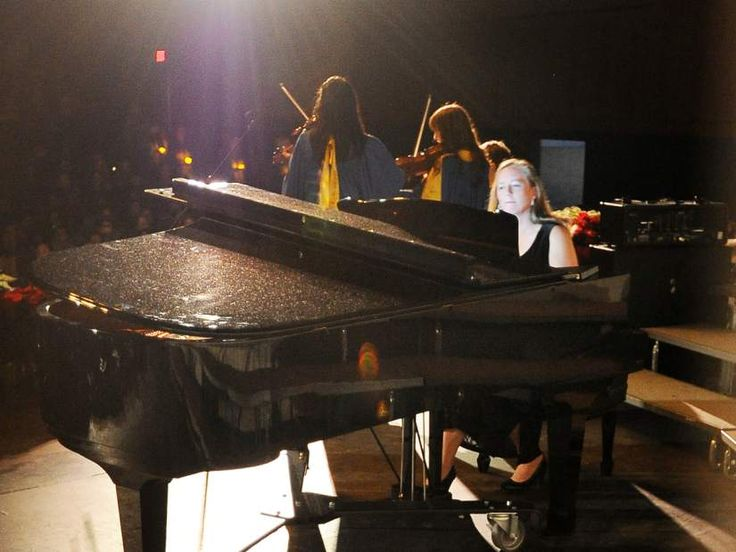 """Bend High replaces Civil War-era piano; Video: Stephanie King performs """"Fantaisie-Impromptu"""" on new Yamaha grand"""