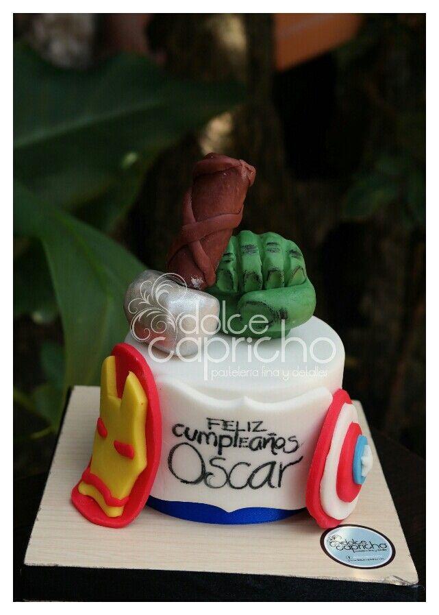 Pastel de fondant Avengers  #cake #fondant #avengers #pastel #birthday #cumpleaños #minicake