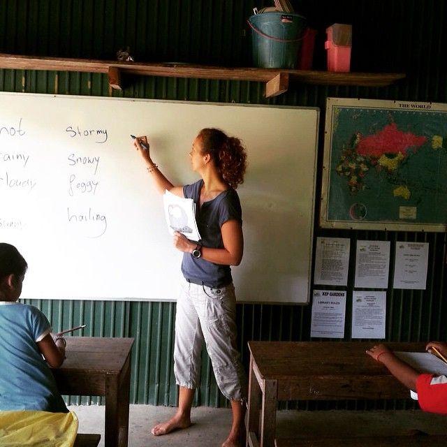 Be More • Ondersteun lokale leraren in hun Engelse lessen aan kinderen en jongeren in #cambodja