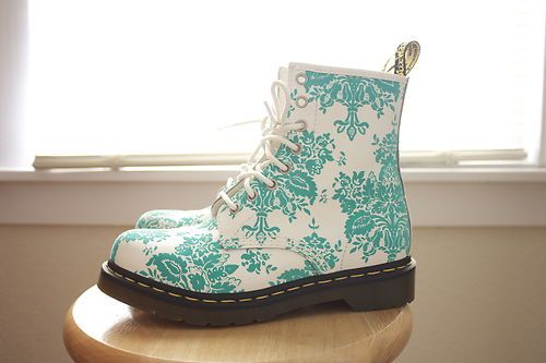 Dr Doc Marten Boots Turquoise.   Consider me dead. Yeah seriously though. Gimme!!