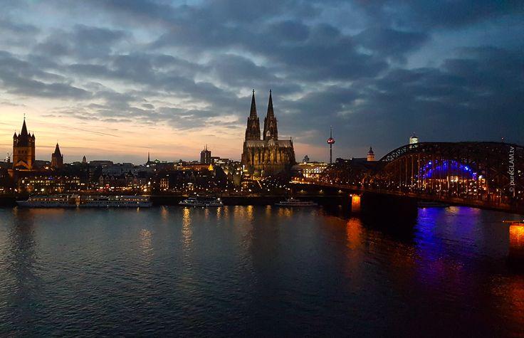 Hyatt Regency Hotel Köln - Bester Blick auf Kölner Altstadt und Kölner Dom - Hohenzollernbrücke - Luxushotel - Am Kennedyufer Cologne - Glashaus Restaurant - Spa und Wellness in Köln - Luxusblogger