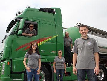 K + R Huber Transport GmbH Schlossblick, 6208  Oberkirch  Telefon: 41 921 21 61 E-mail: huber@tanklogistik.ch Tankinnenreinigung Schweiz