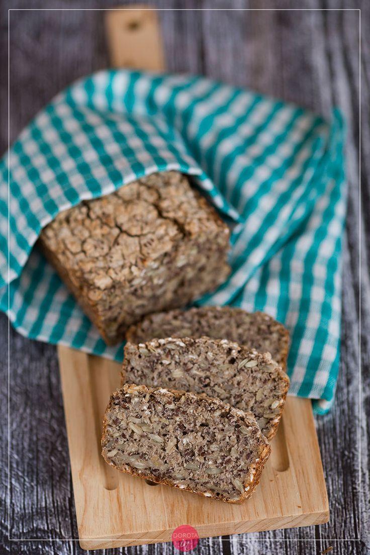 Chleb gryczany na zakwasie lub drożdżach, pyszny, niskoglutenowy, o niskim indeksie glikemicznym, bogaty w minerały dzięki dodatkowi ziaren. #pieczywo #chleb #przepis #jedzenie #wypieki