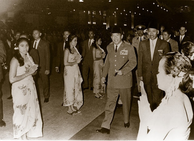 Soekarno, Indonesia's 1st President in the grand opening of Hotel Indonesia - Jakarta, 1962