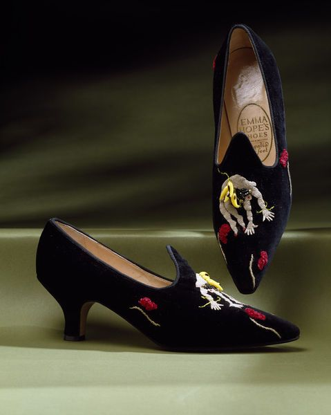 Josephine Baker embroidered velvet shoes by Emma Hope and Karen Spurgin, Great Britain, 1988. l Victoria and Albert Museum