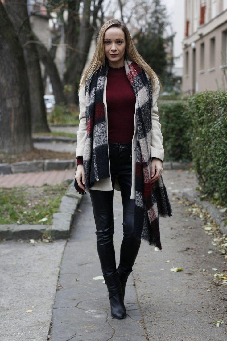 warm cozy scarf - winter must have #ootd #scarf #fallfashion
