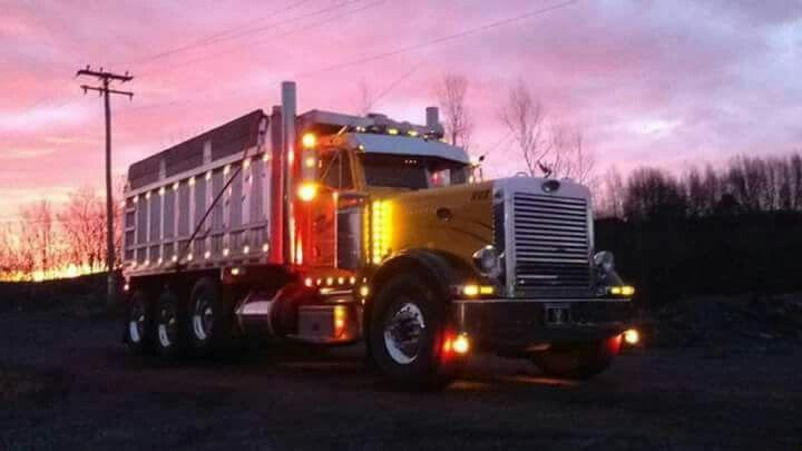 Yellow Peterbilt dump truck LED