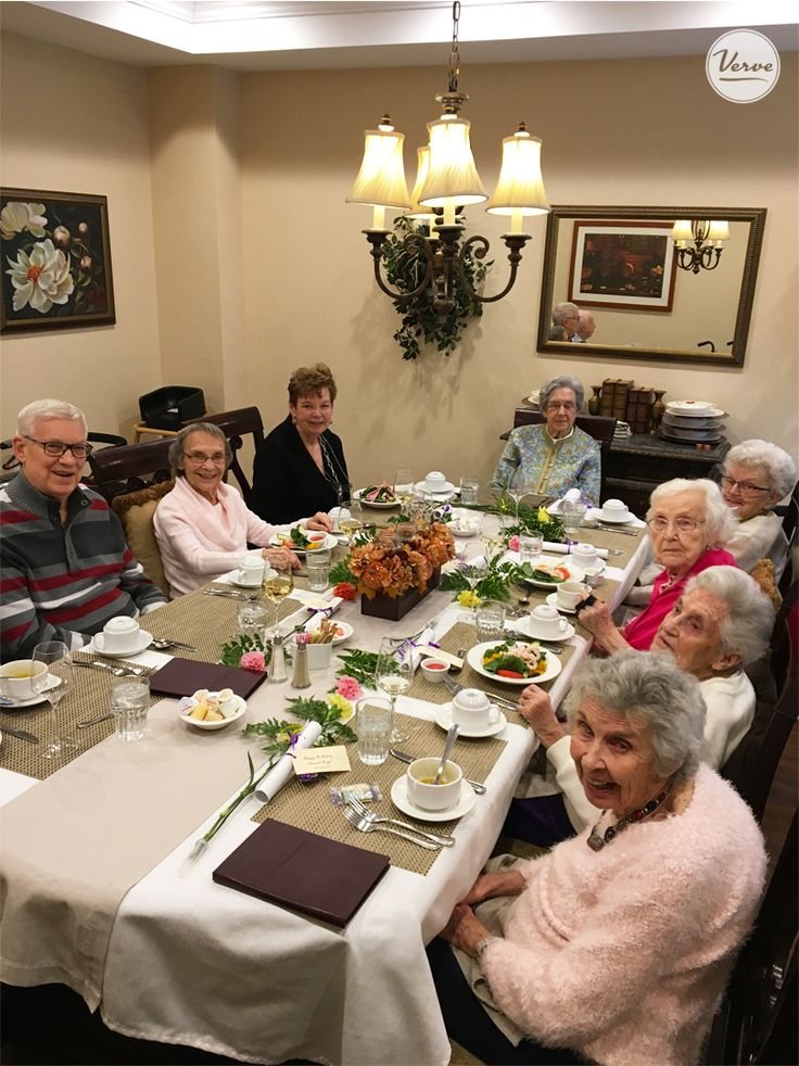 Stouffville Creek loves to entertain! All Residents who were born in November were invited to a special lunch to celebrate their day! 🍰 🎁 #verveseniorliving