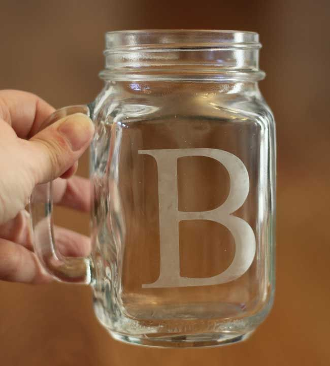 DIY Etched Mason Jar Mugs | Such an easy DIY project! Add candles inside and you have an amazing centerpiece idea.
