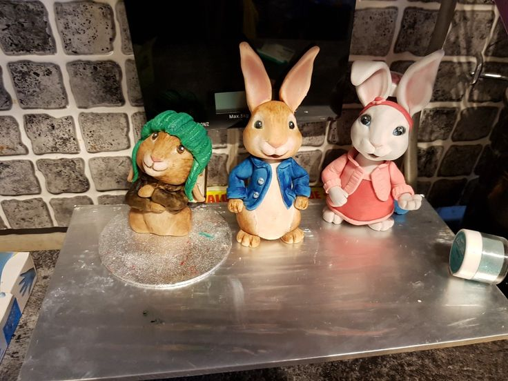 Peter rabbit fondant figures