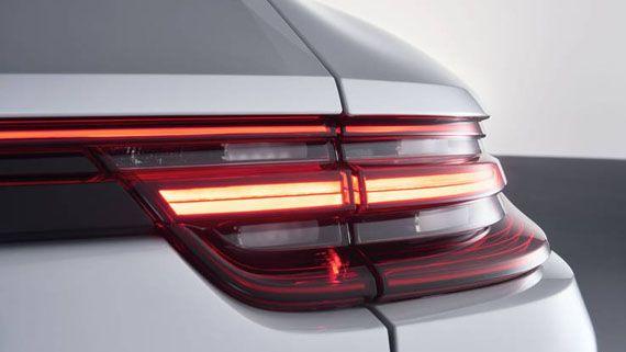 Элементы дизайна седана Порше Панамера S E-Hybrid 2018 / Porsche Panamera Turbo S E-Hybrid 2018. Задние фонари