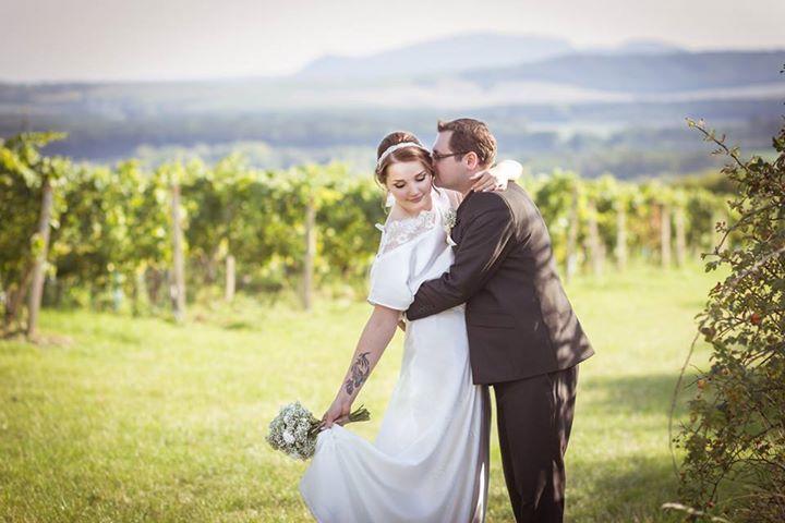 Unique Wedding Photos - Creative Wedding Pictures