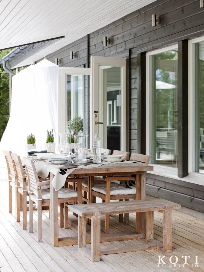 Puuhuvila luonnon väreissä   Koti ja keittiö   Kuva Jeppe Tuomainen