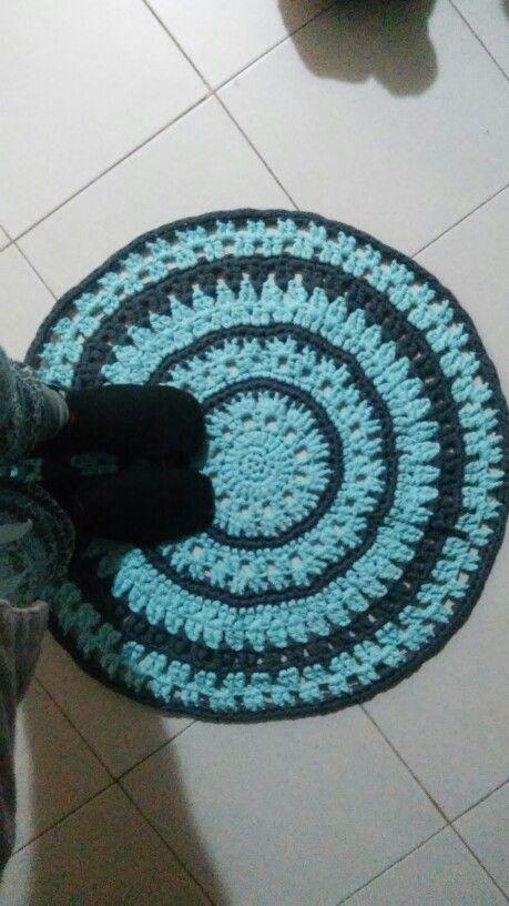 Tapete em crochet com trapilho