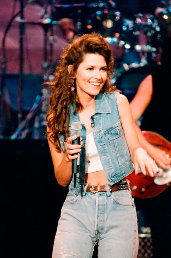 Country Music Stars That Fully Embraced The 90s Cowgirl Magazine Shania Twain Country Music Stars Country Music Singers