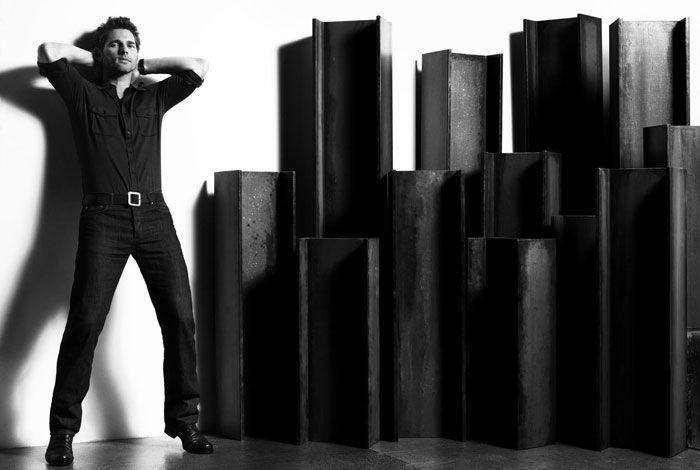 Эрик Бана (Eric Bana) в фотосессии Майкла Томпсона (Michael Thompson) для журнала GQ (2008), фото 6