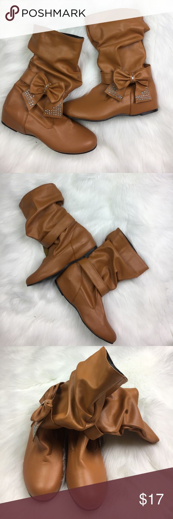 Women's Tan Slouch Boots Bow Rhinestones Shoes • Euro sz 43 = sz 9 1/2 us • 1 Inch hidden wedge • See photos to rate condition • The bows slip off Shoes Ankle Boots & Booties