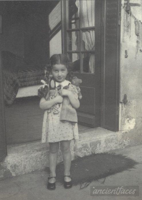 Jacqueline Bernheim ~ photo taken in city of Brussels, Belgium around 1944. Murdered in Auschwitz 1944 (buried in Auschwitz death camp). Age: 6 years.