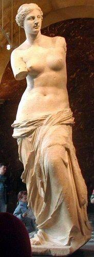 """La Afrodita de Milos (griego: """"Αφροδίτη της Μήλου""""), más conocida como Venus de Milo, es una de las estatuas más representativas del periodo helenístico de la escultura griega, y una de las más famosas esculturas de la antigua Grecia."""