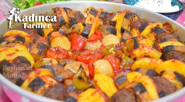 Patatesli Patlıcan Kebabı Tarifi nasıl yapılır? Patatesli Patlıcan Kebabı Tarifi'nin malzemeleri, resimli anlatımı ve yapılışı için tıklayın. Yazar: Beyhan'ın Mutfağı