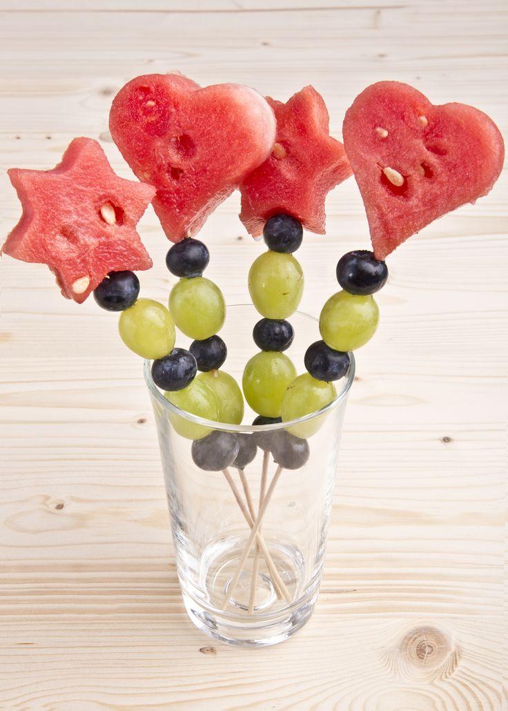 Melonen Spieße #melon #grapes #sticks #snack #healthy #dessert #fruits #creative